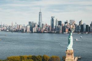 Суд Нью-Йорка продолжает дело против человека, связанного с OneCoin