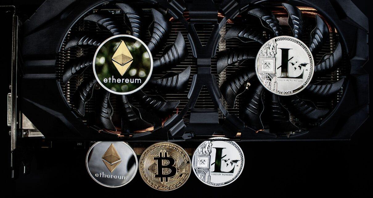 Bitmain дебютирует с новым майнером T19 Bitcoin после проблемного запуска S17