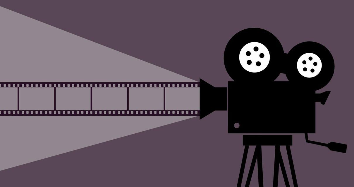 Предстоящий кинофестиваль, организованный киношколой Кёнги, будет проходить с 25 сентября по 4 октября. Недавно фестиваль объявил о своем партнерстве с MovieBloc, платформой распространения медиа на основе блокчейна. Как сообщает Fn News, зрители фестиваля смогут оценить каждый фильм в режиме реального времени в обмен на различные жетоны. Участники смогут внести свой вклад и другими способами, например, предоставив субтитры на иностранном языке для различных фильмов в обмен на дополнительные вознаграждения на основе токенов. Онлайн-фестиваль, который был разработан в ответ на пандемию COVID-19, может стать первым в своем роде и создать прецедент для будущих фестивалей в эпоху после коронавируса. Кан Ён Кён, генеральный директор MovieBloc, сказал, что надеется, что эта новая модель «сможет сосуществовать с национальными и международными кинофестивалями и киноиндустрией». В июле произведение коллективного перформанса, состоящее из 15 короткометражных фильмов, было хешировано и отчеканено в неизменяемый токен на блокчейне Ethereum. В этом мероприятии использовался механизм вознаграждения участников проекта при продаже актива; Киношкола Кёнги реализует аналогичную идею на своем предстоящем мероприятии.