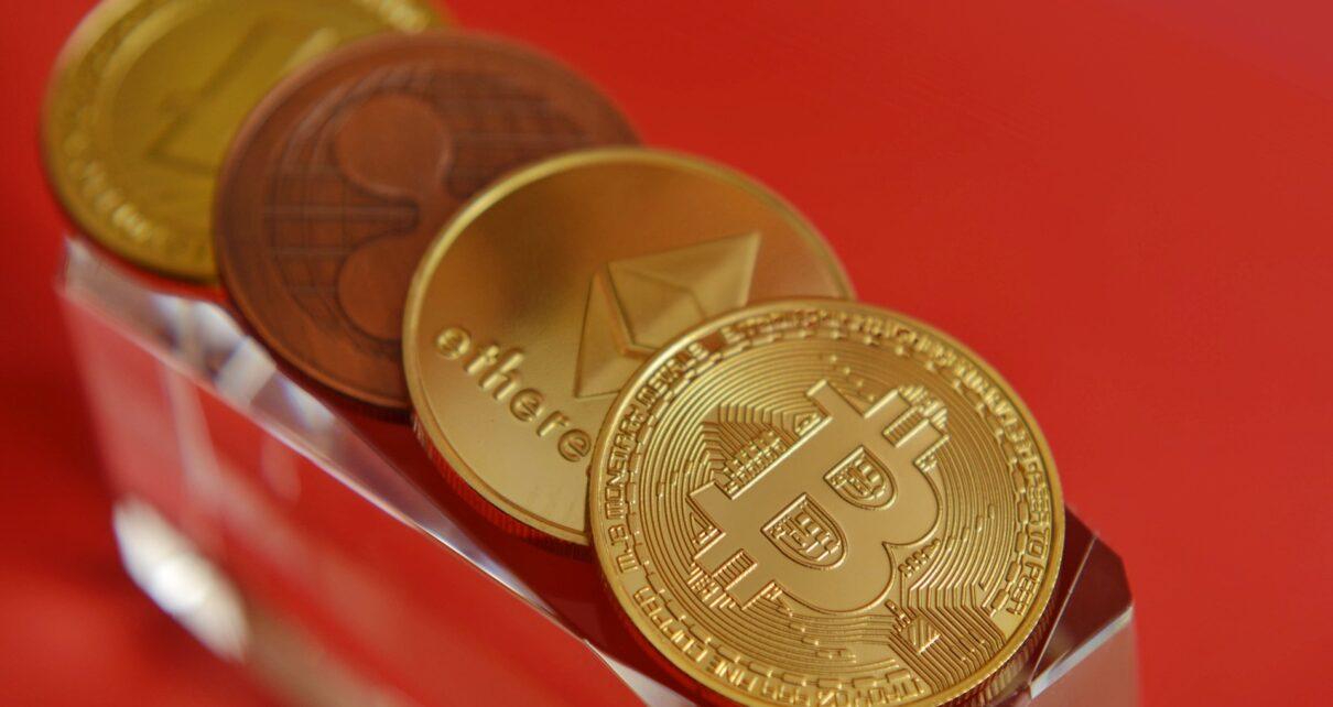 Совокупные сборы Ethereum в 2020 году впервые превзошли биткоин