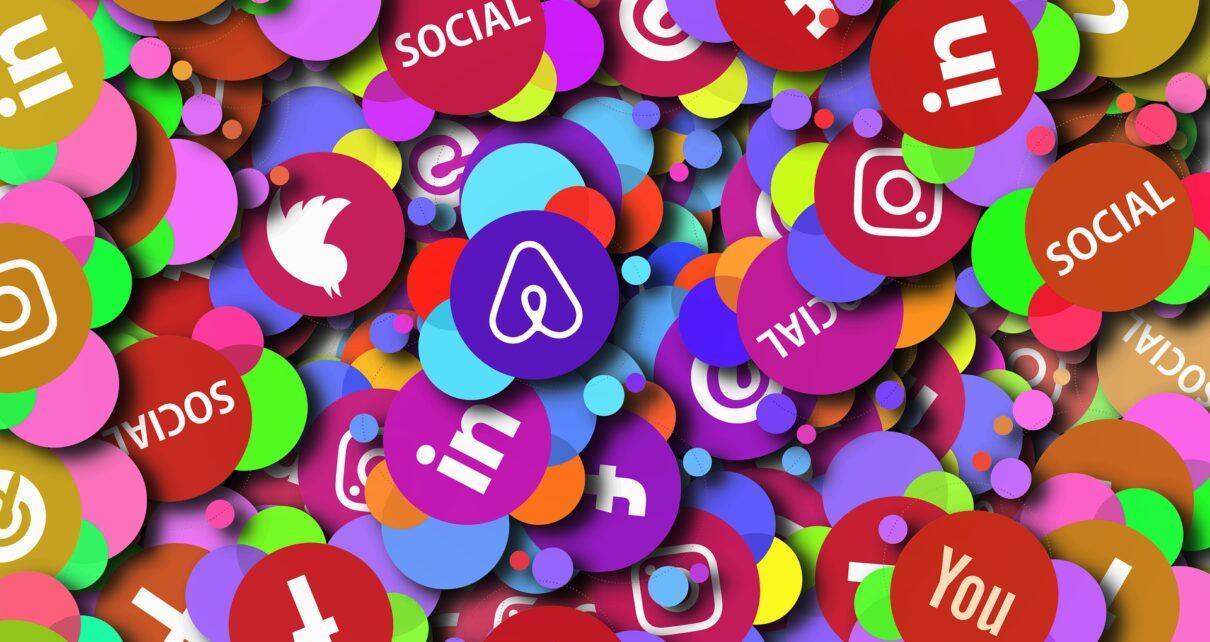 Блокчейн может решить проблемы с модерацией Twitter и Facebook
