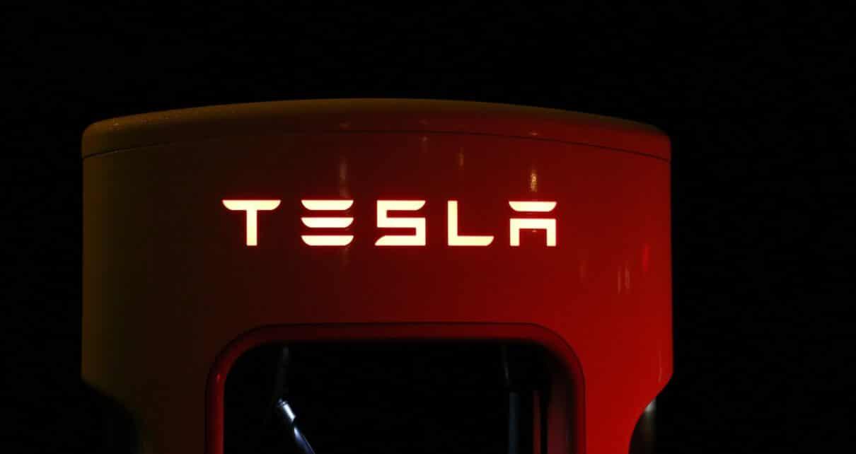Tesla рассчитывает начать принимать биткоины к оплате
