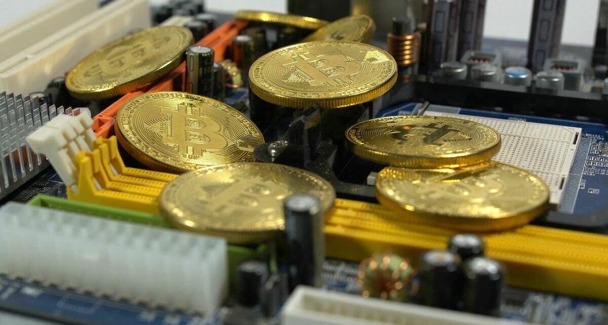 Банковская система потребляет в два раза больше энергии, чем биткоин