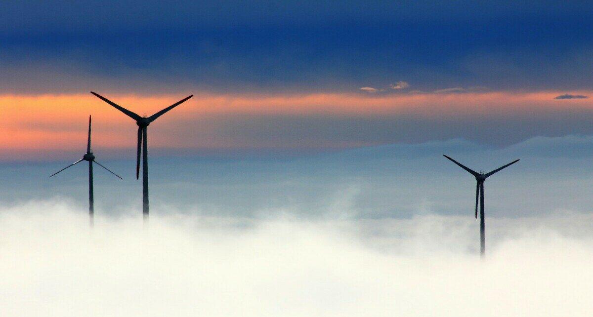 Использование возобновляемых источников энергии может помочь майнерам BTC