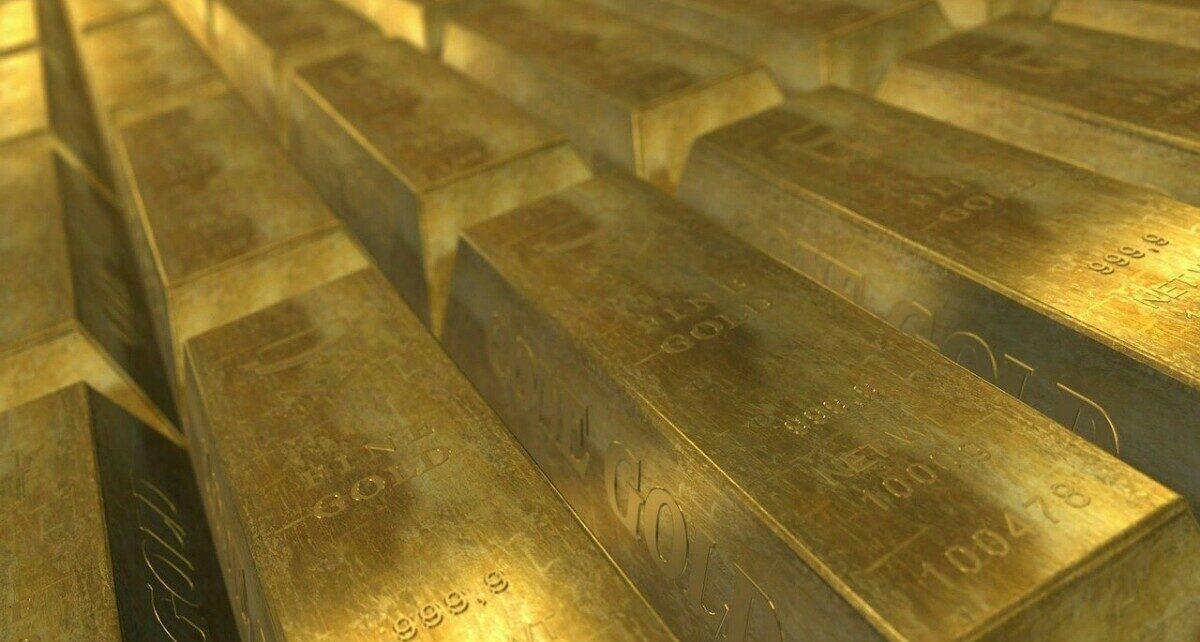 Золото достигло четырехмесячного максимума после краха криптовалюты