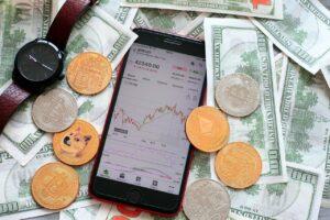 Конкуренция стимулирует инвестиции молодых трейдеров в криптовалюту